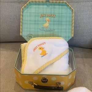 Just Ducky Hooded Baby Towel & Wash Mitt